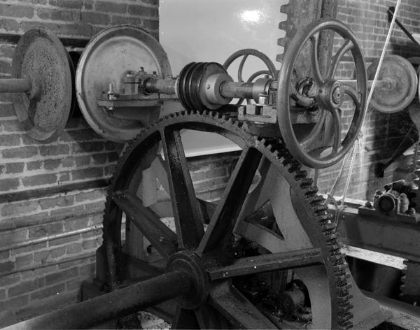 1866 gate operator detail