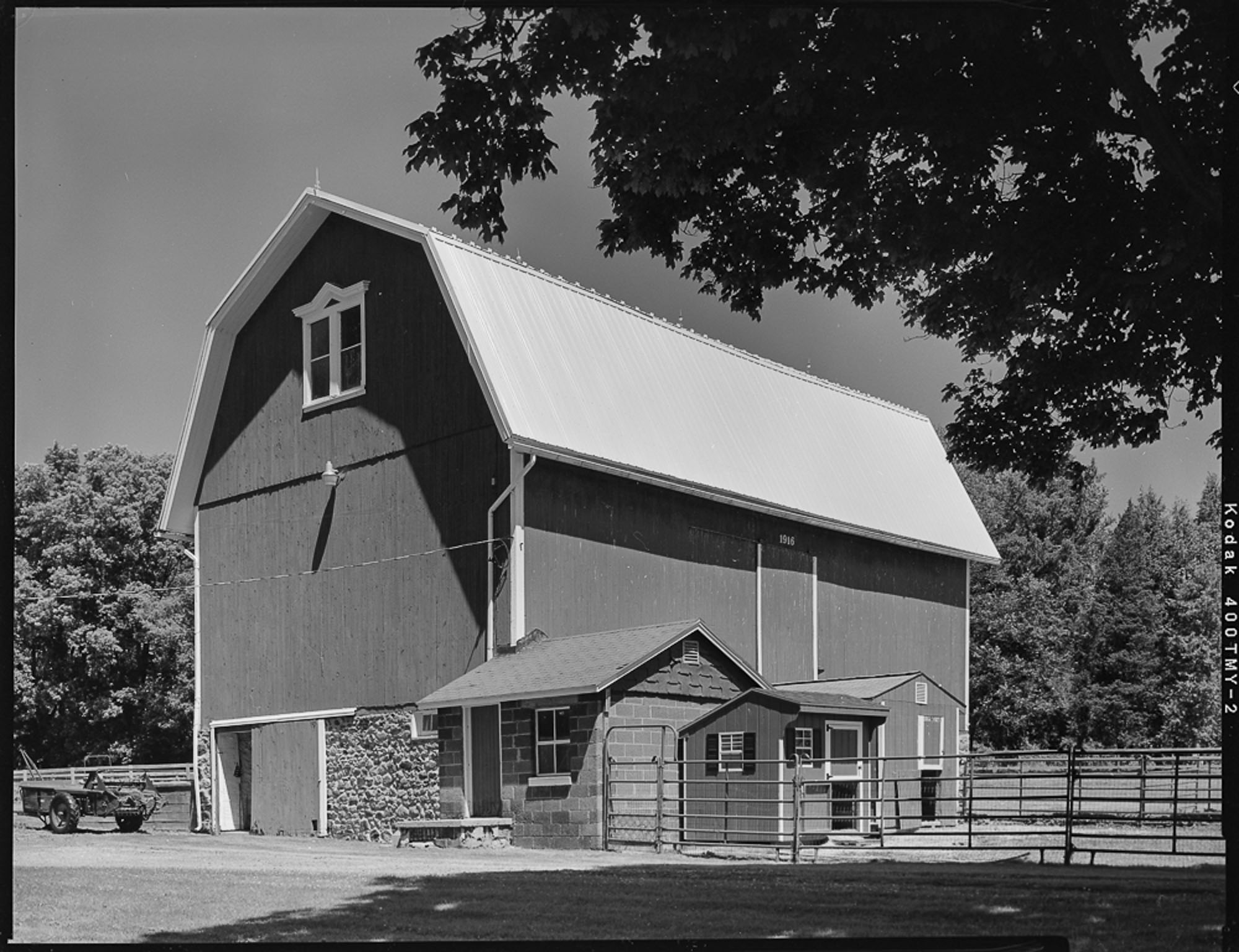 Wells Barns, NY-HABS/HAER photography